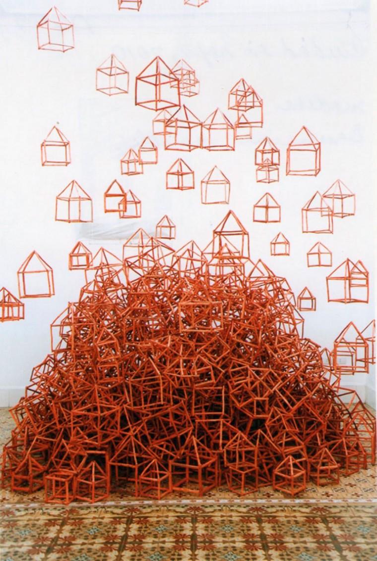 Ciudad en Rojo, 2010. Madera. Dimensiones variables