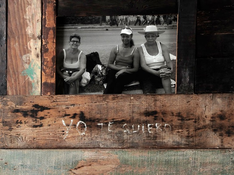 Yo te quiero, 2002. Caja de luz. 74 x 84 x 11 cm